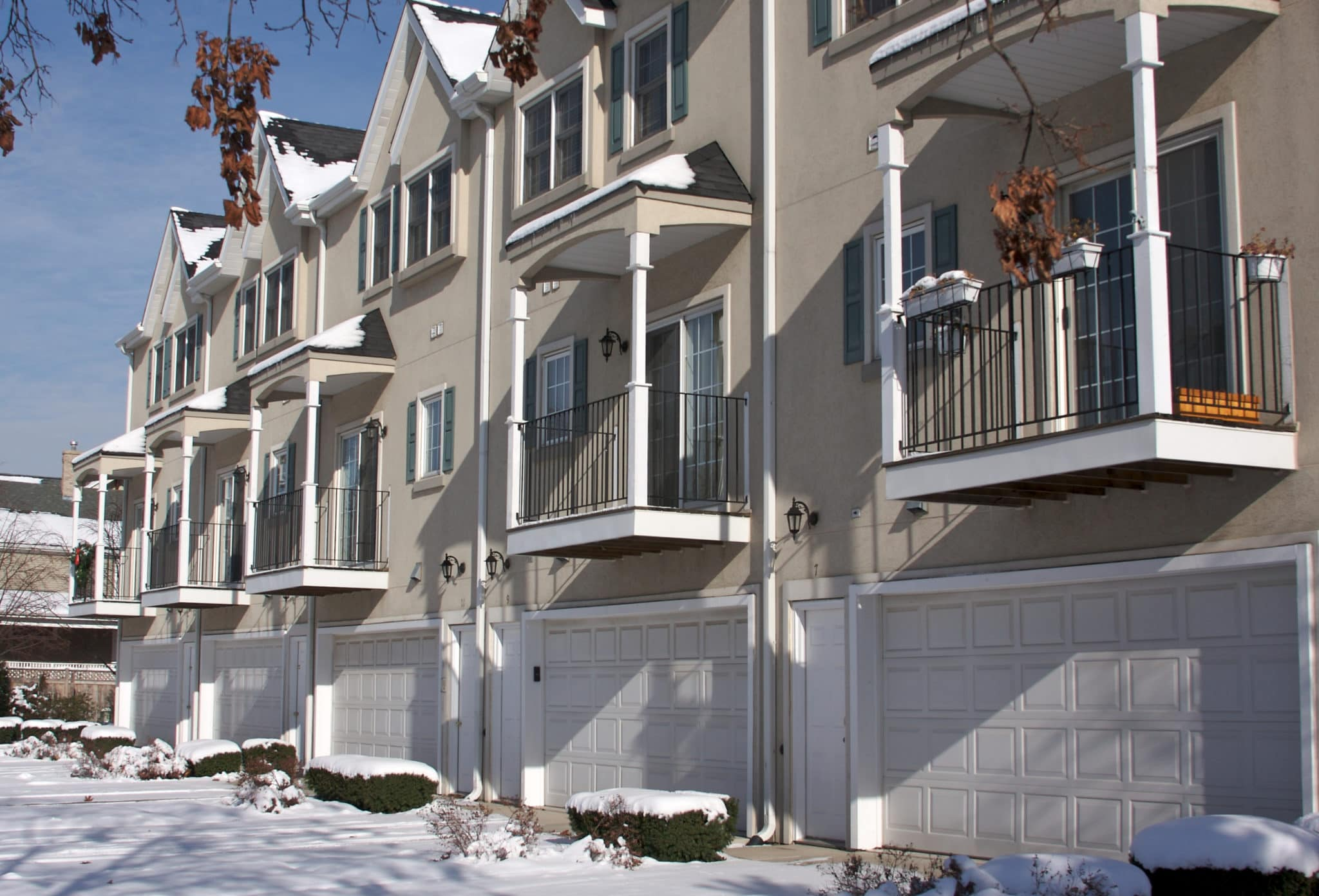 hoa-snow-removal-apartments